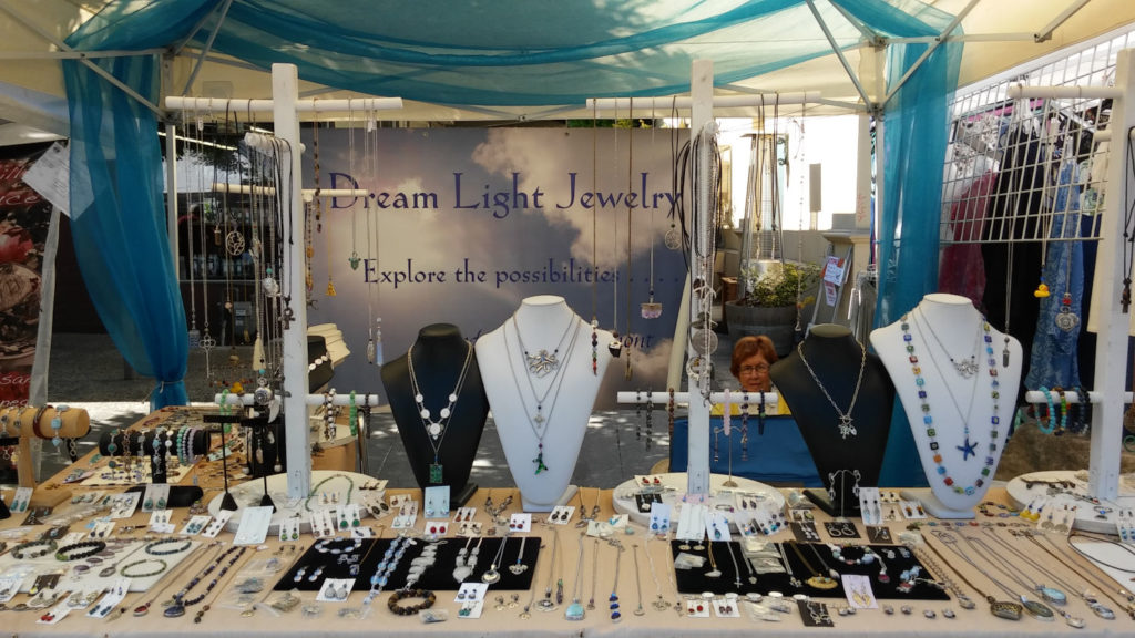 Dream Light Jewelry Table 8