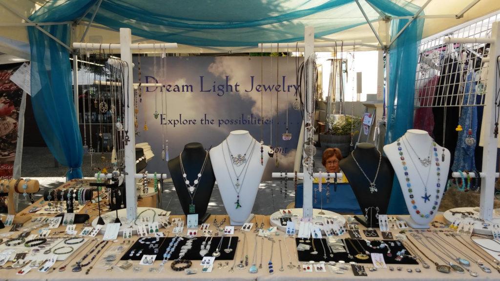 Dream Light Jewelry Table 8
